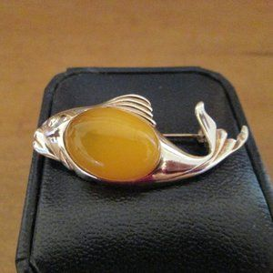 Jewelry - Sterling Silver Butter Amber Fish Brooch